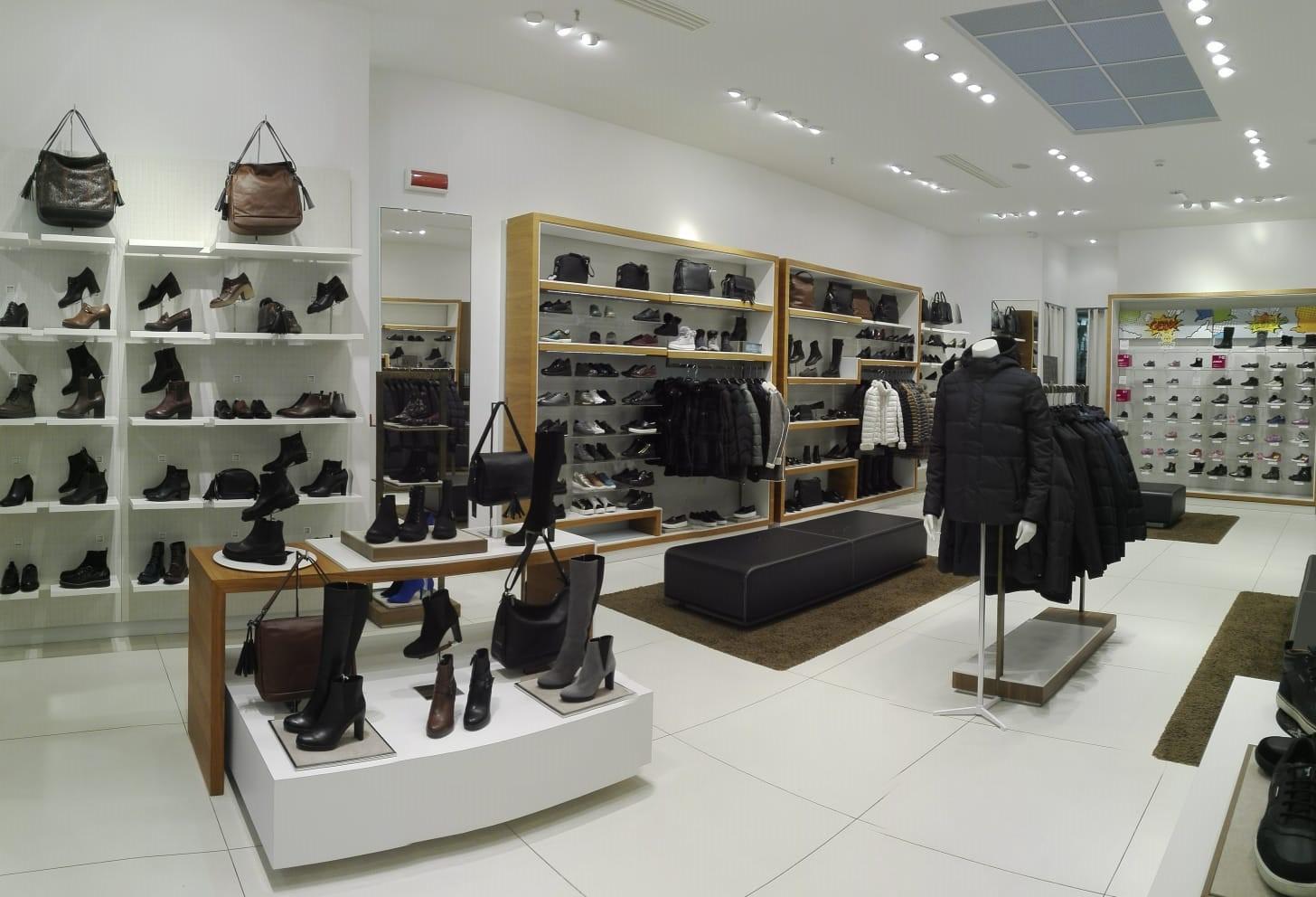 Negozio GEOX - Centro Commerciale La Fattoria (Rovigo - veneto) 1a69eec6da0